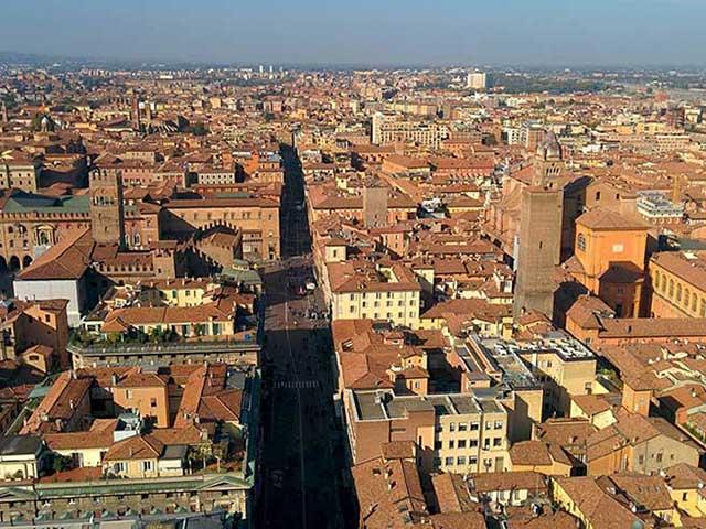 Город Болонья